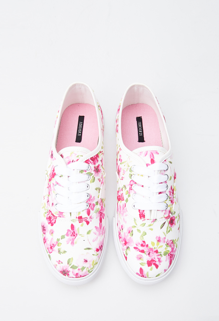 Cute shoes for weekend outside