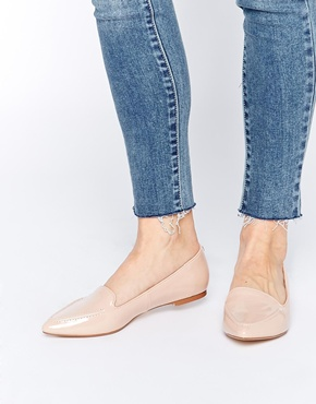Chic flats for weekend outside